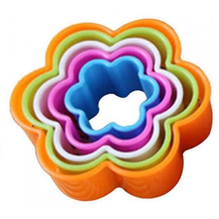 Набор вырубок для пряников  пластиковых 5 цветков