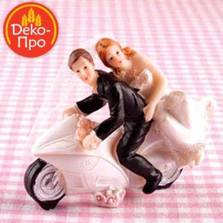 Свадебная пара на мотоцикле 10x4x9см