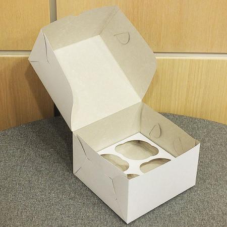 Коробка на 4 капкейка белая 16*16*10 см